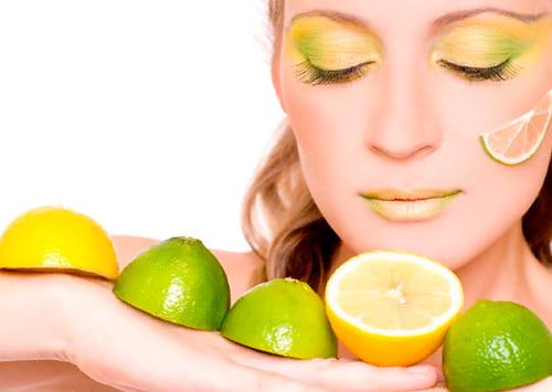 Маска для лица с медом и лимоном: 12 домашних рецептов