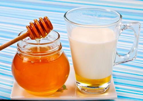 Как пить молоко с медом при кашле