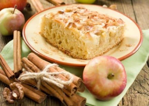 Шарлотка с яблоками в духовке, 5 простых рецептов.